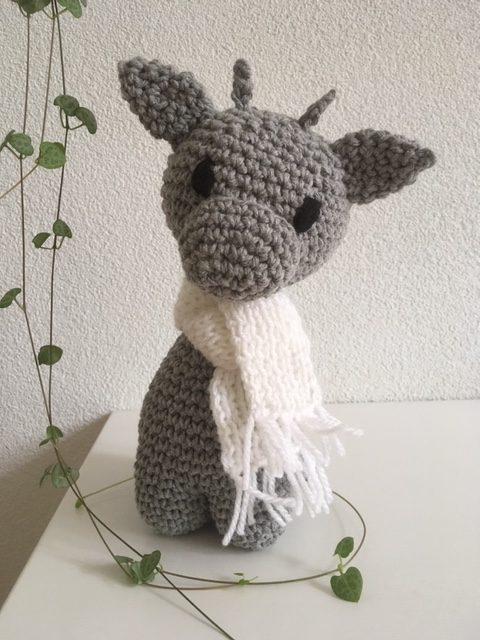 Giraffe in grijs met wit